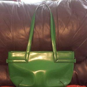 Vibrant green pursue